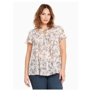 Torrid blush pink floral pleated tie front blouse
